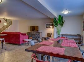 Nice 2 Bed Townhome in Uptown Phoenix 106