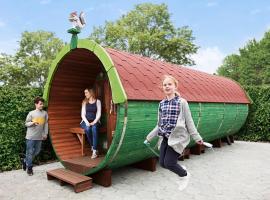 LEGOLAND Wilderness Barrels & Cabins