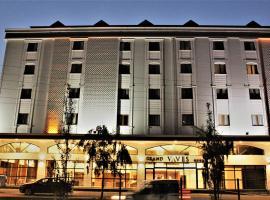 Grand Vaves Hotel