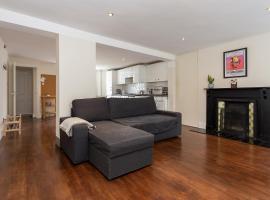 Spacious 1 Bedroom Garden Flat In Clapham Town