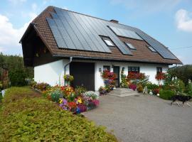 Haus Lindenbüble, Sankt Georgen im Schwarzwald (Am Bach yakınında)