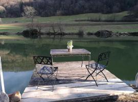 Haus direkt am Fluss im Jura, Ocourt