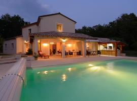 "Villa ""Duxcaar"", Beaumont-du-Périgord (рядом с городом Monsac)"