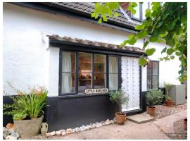3 Bedroom Cottage Little Beeches