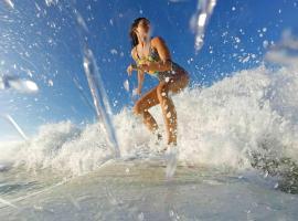 Australian Surf Tours, Thirroul (Bulli yakınında)