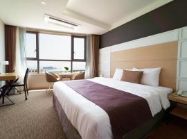 Ramada Encore East Hotel