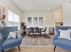 2BR Gorgeous Lower Garden District Condo with Saltwater Pool