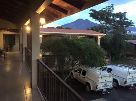 Cabinas Ledezma, Guayabos