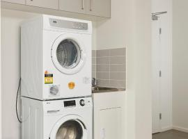 Open and Flowy 1 Bedroom Apartment in Chadstone, Chadstone