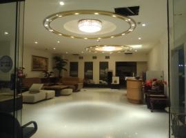 Dengfeng Milan Business Hotel, Huwei