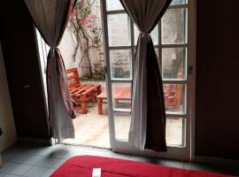 Studio - centro y muy confortable - con aire conditionado reversible, Mendoza (Villa Nueva yakınında)