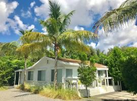 Grove Bay Bungalow - 2BD/1BA Gated Cottage-Walk To Bay - Sleeps 4