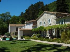 Gîtes Les Jardins de Soulane, Belcastel-et-Buc (рядом с городом Greffeil)