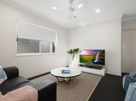 Luxury Home close to Sleemans, QE2 Hospital & Griffith Uni