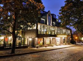 All Seasons Residence Hotel