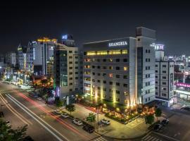 Shangria Beach Tourist Hotel