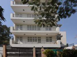 OYO 385 Hotel Mehra Residency