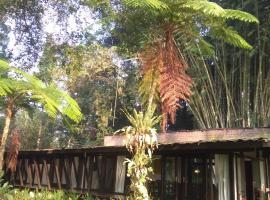 Villa Parakan Salak, Klapanunggal (рядом с городом Gunungmalang)