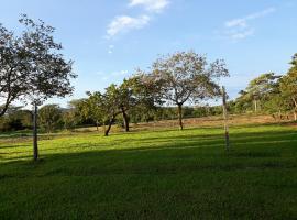 balneário e acampamento Erlanda, Ribeirão das Pedras (Nobres yakınında)