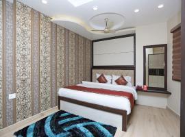 OYO 10338 Hotel Aadesh Palace