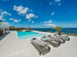 Villa Dreamin Blue