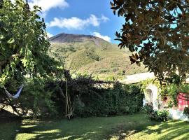 ArMonica casa con giardino stromboli piscità