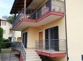Richard's Villa, Varcaturo (Licola yakınında)