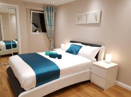 Glasgow's City Centre Refined 3 bedroom apartment