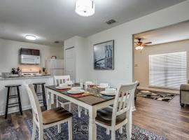 GATEWAY CASITA - SLEEPS 12, 5 MINUTES TO LACKLAND