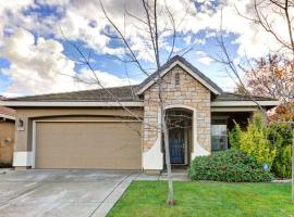 Lovely Quiet & Cozy Home..Near Airport and Downtown