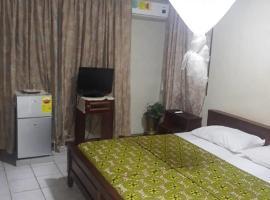 Star Lite Lodge, Аккра (рядом с городом Теши)