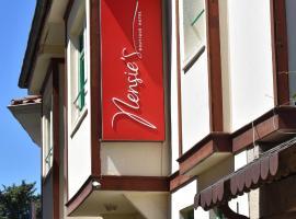 Nensie'S Boutique Hotel