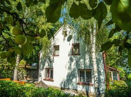 Silver Linden Cottage