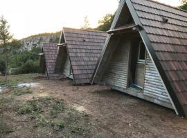 Kamp Sesalacka pecina