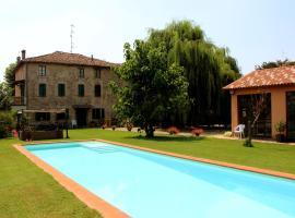 B&B Il Conte Giacomo, Viarolo (Roncopascolo yakınında)