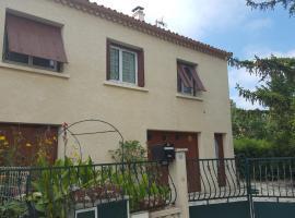 Maison de 2 à 6 personnes au bord de l'Hérault