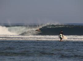 Karang Nyimbor Surf Camp Krui, Biha
