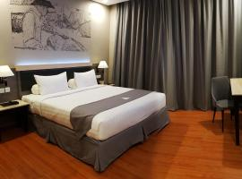 Pyramid Suites Hotel