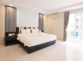 The 6 best hotels near Dinosaur Park Dannok in Ban Khlong Phruan