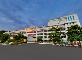 SRM Hotel, Gūduvāncheri (рядом с городом Padappai)