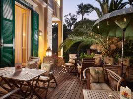 Palm Gallery Hotel