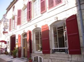 Hôtel Restaurant Henri IV, Champlitte-et-le-Prélot (рядом с городом Grandchamp)