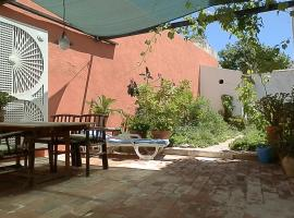 Tavira Townhome with private Garden