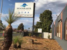Moonraker Motor Inn