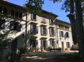 Fontclaire En Provence, Uchaux