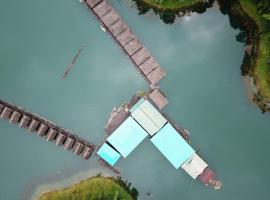 Praiwan Raft House, Ban Kraison