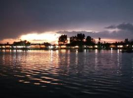 love in kashmir, Сринагар (рядом с городом Gagribal)