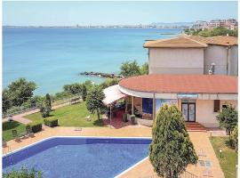 Four-Bedroom Holiday Home in Sveti Vlas
