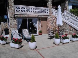 Garden Suite, Monserrat