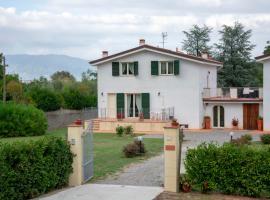 GuestHouse Le terrazze, Lucca (Massa Macinaia yakınında)